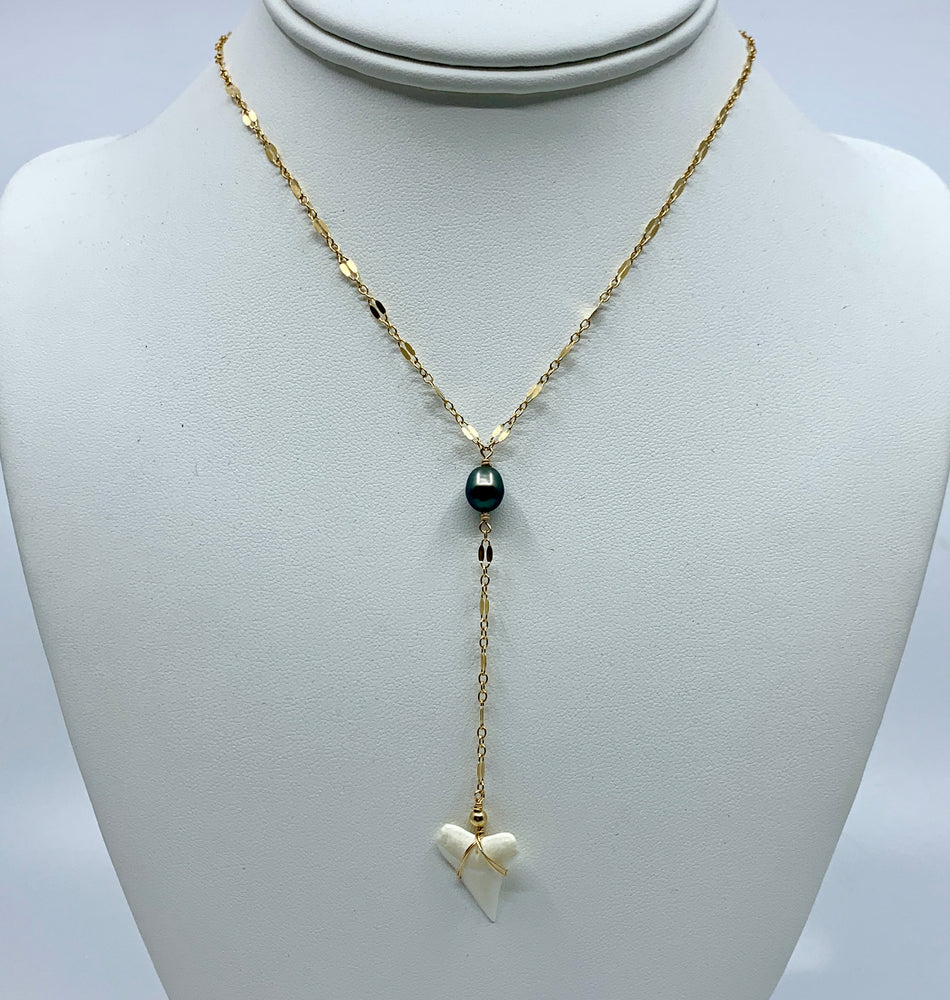 Load image into Gallery viewer, Tahitian Keshi Pearl + Shark Tooth Lariat
