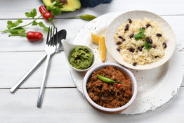 MINI MEAL Chilli con Carne with Basmati-Black Beans Pilaf & Guacamole