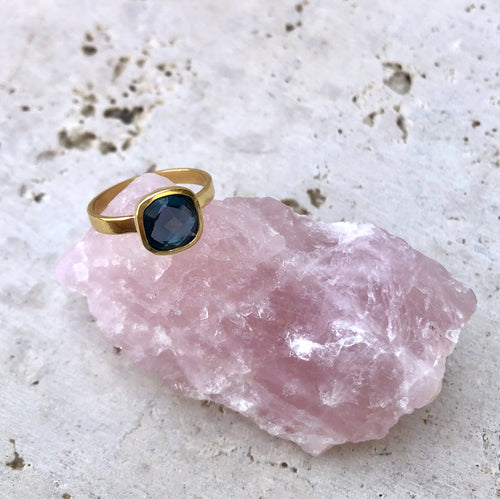 Nebulae - Anillo Oro + Topacio London Blue
