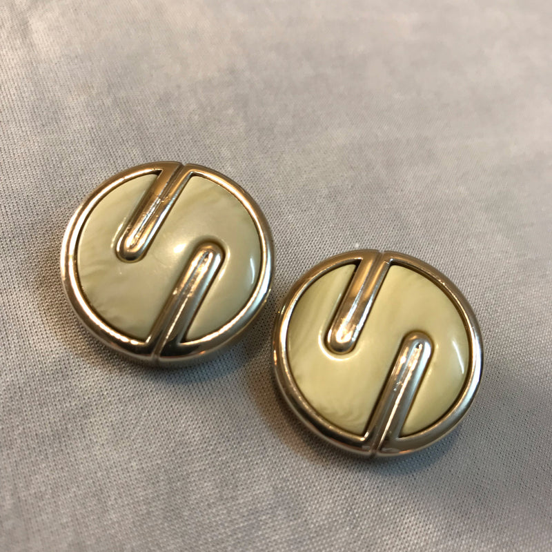Buy Vintage 1980s Statement Clip-On Earrings on Bodements.com