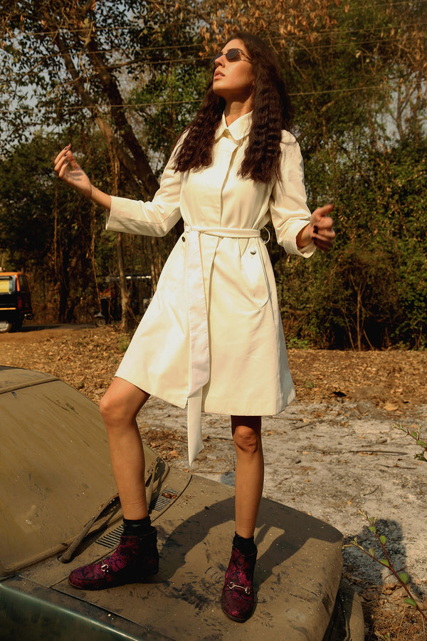 Buy Vintage White Coat Coat with Belt on Bodements.com