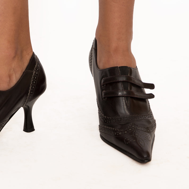 Buy Vintage '90s Pointed Toe Faux Leather Brogue Heels on Bodements