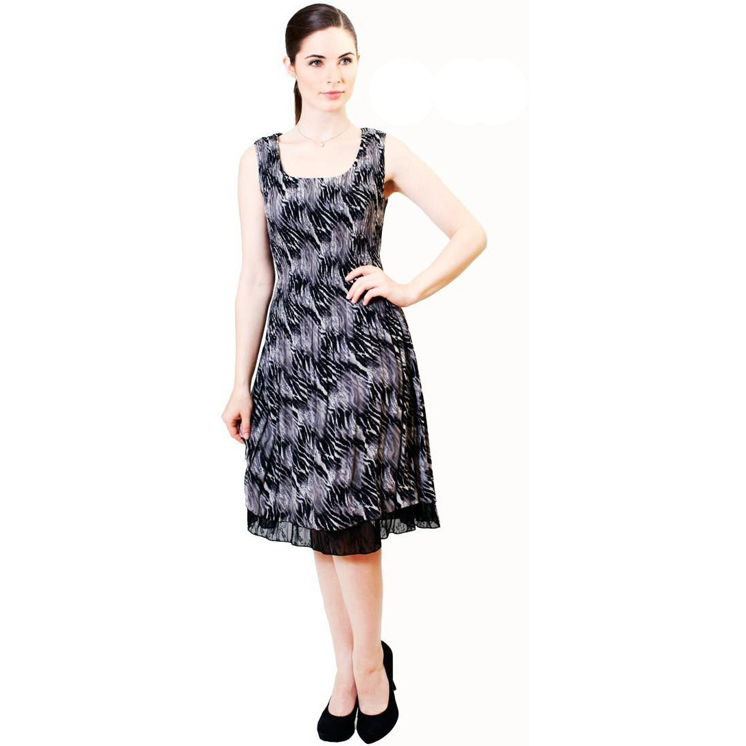 Printed Crinkle Dress - Black and White