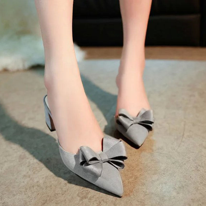Almond to sandals with ribbon thick heel gray black