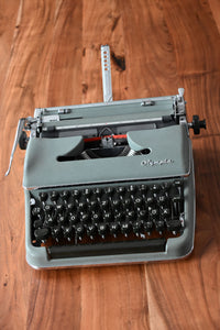 Olympia Manual Typewriter - 100% Functional - Comes with Fresh Ribbon and Original Case - Working Typewriter