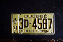 Load image into Gallery viewer, 1971 Quebec License Plate - 3D-4587 - Vintage Automobile ID - Wall Hanging - Industrial Decor -  Canadian Provinces