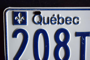 1977 Quebec License Plate - 208T923 - Vintage Automobile ID - Wall Hanging - Industrial Decor -  Canadian Provinces