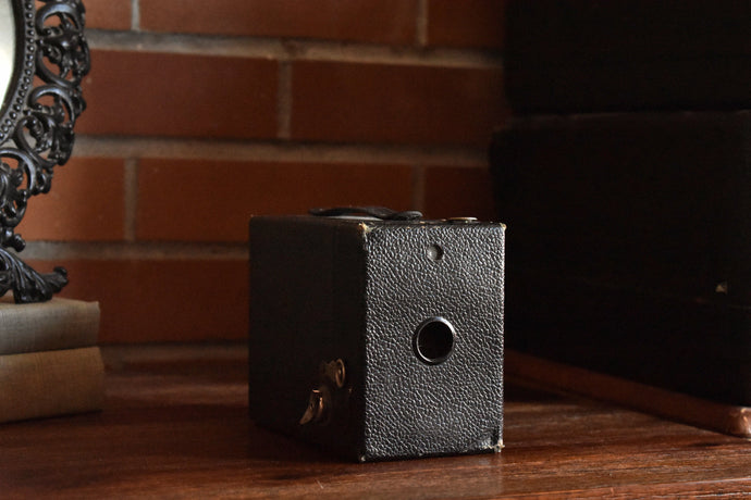 Kodak Target Six-20 Camera with Original Strap - Antique - Leather & Wood Box - Uses 120 Film - Excellent Condition - Made in Canada