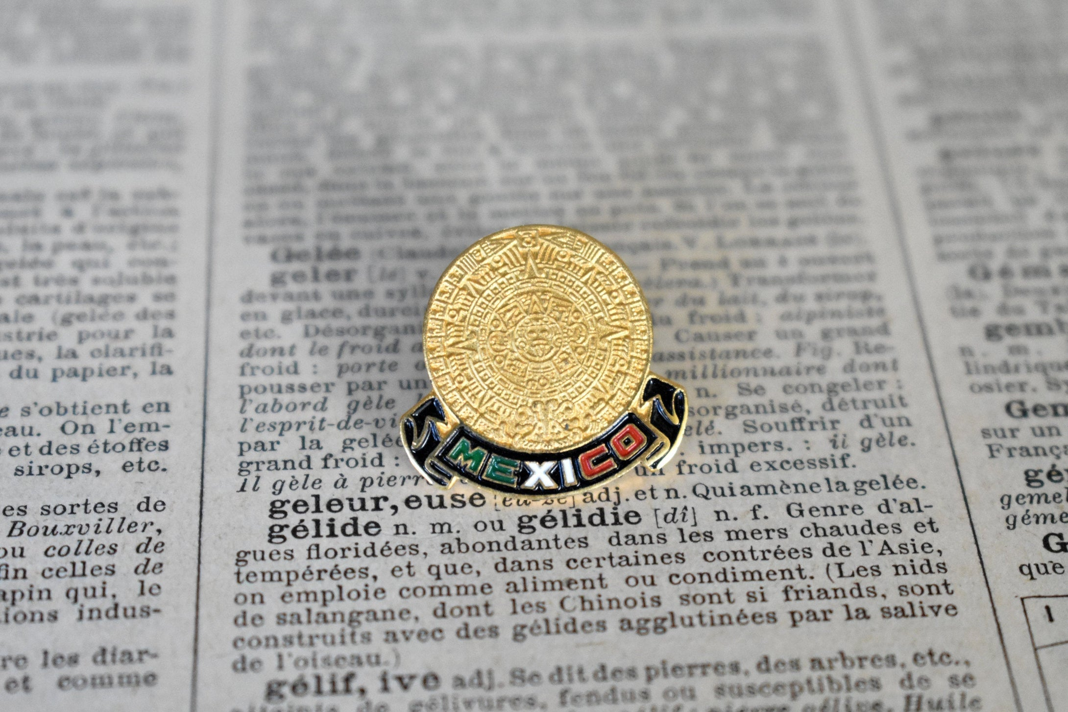 Mexico Aztec Lapel Pin - Vintage Mexican Flag - Lot 2