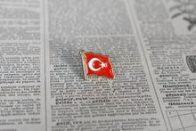 Load image into Gallery viewer, Flag of Turkey Lapel Pin - Vintage Metal Pin