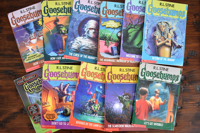 Goosebumps Book Collection - Set of 11 Softcovers - English Language - Apple Fiction - R.L. Stine - Printed in Canada - 1995