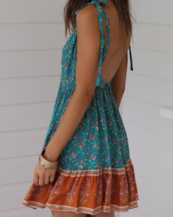 Summer Lace-Up V-Neck Pleated Print Dress herhershoes