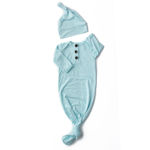Theo light blue knotted button newborn gown and hat