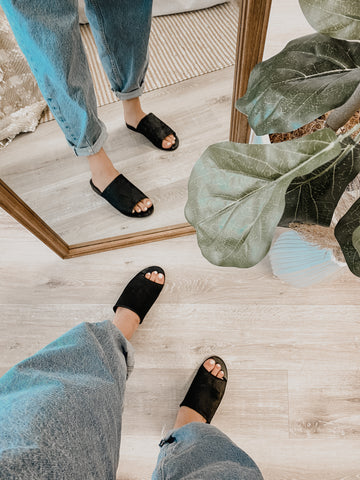 Dolce Vita Pillar Slides