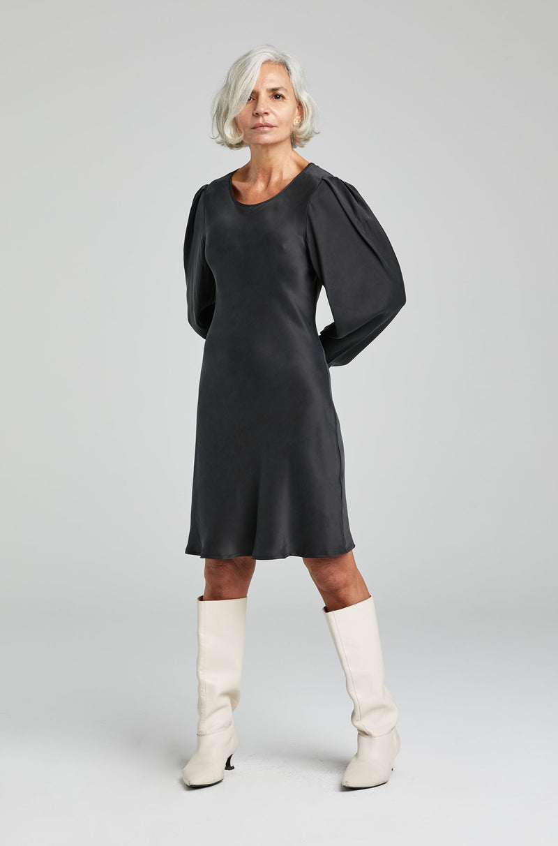 ORIGAMI SLEEVE DRESS BLACK