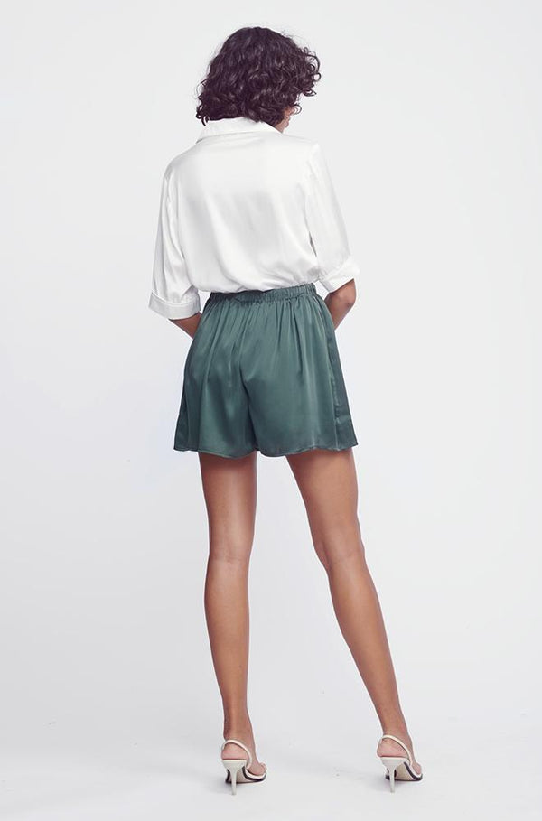 SILK GATHERED SHORTS HUNTER GREEN