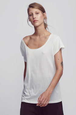 SCOOP NECK T-SHIRT WHITE