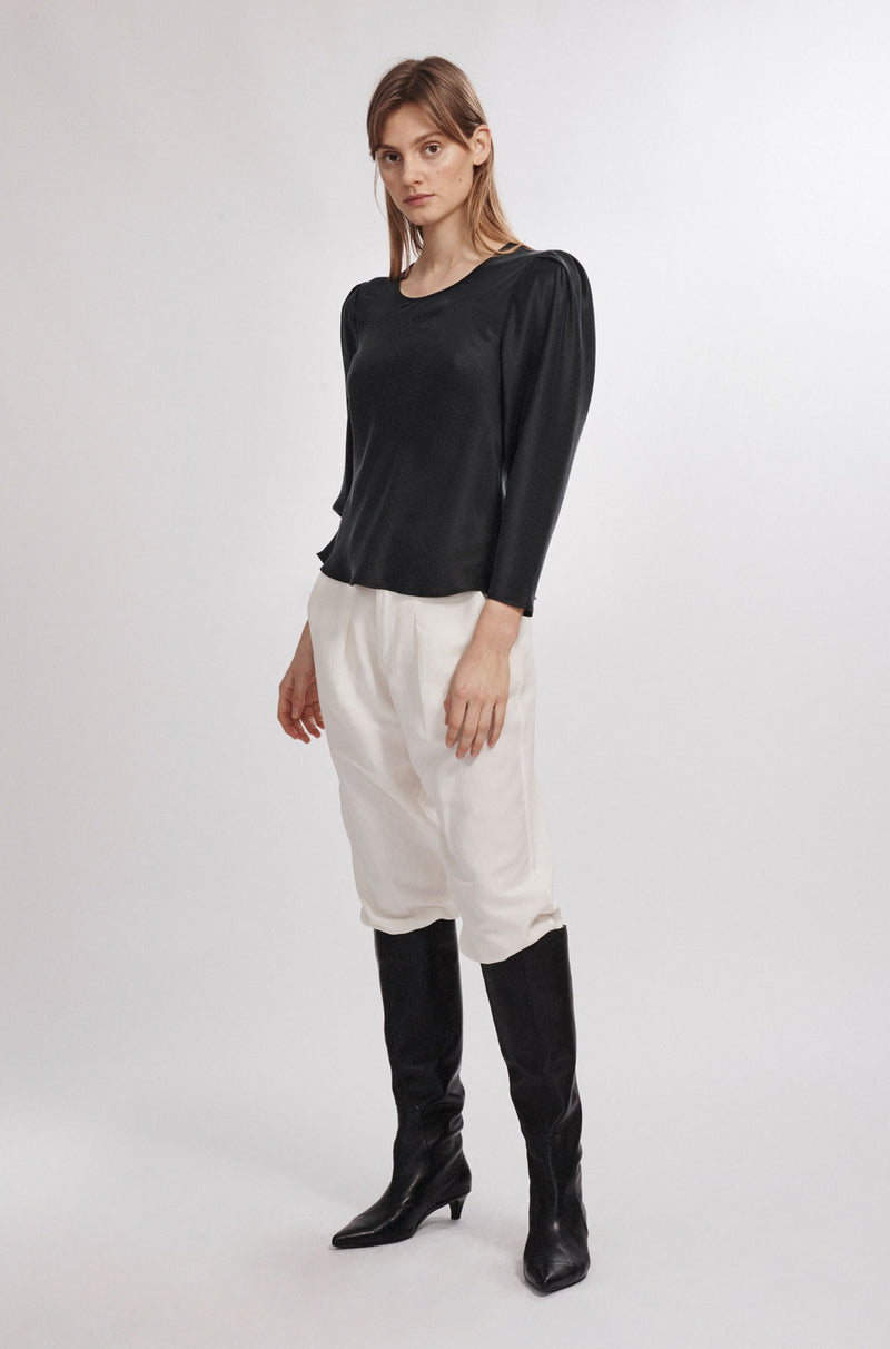 ORIGAMI SLEEVE TOP BLACK