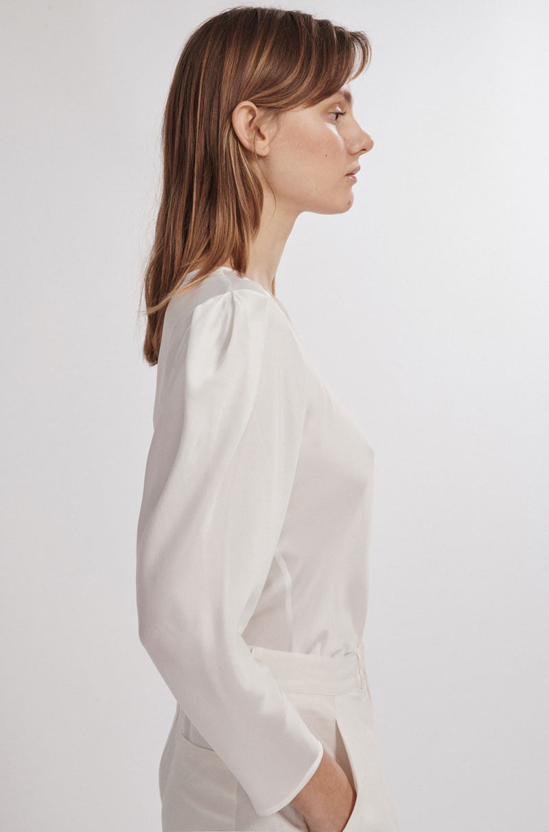 ORIGAMI SLEEVE TOP WHITE