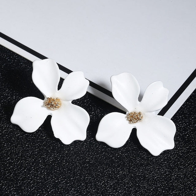 Women's Flower Stud Earrings - SHOPPLEHUB