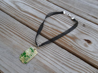 mesh ribbon choker necklace with kelly green dot mother of pearl pendant - 0.5 x 16.5 inches with 2.5 inch extender