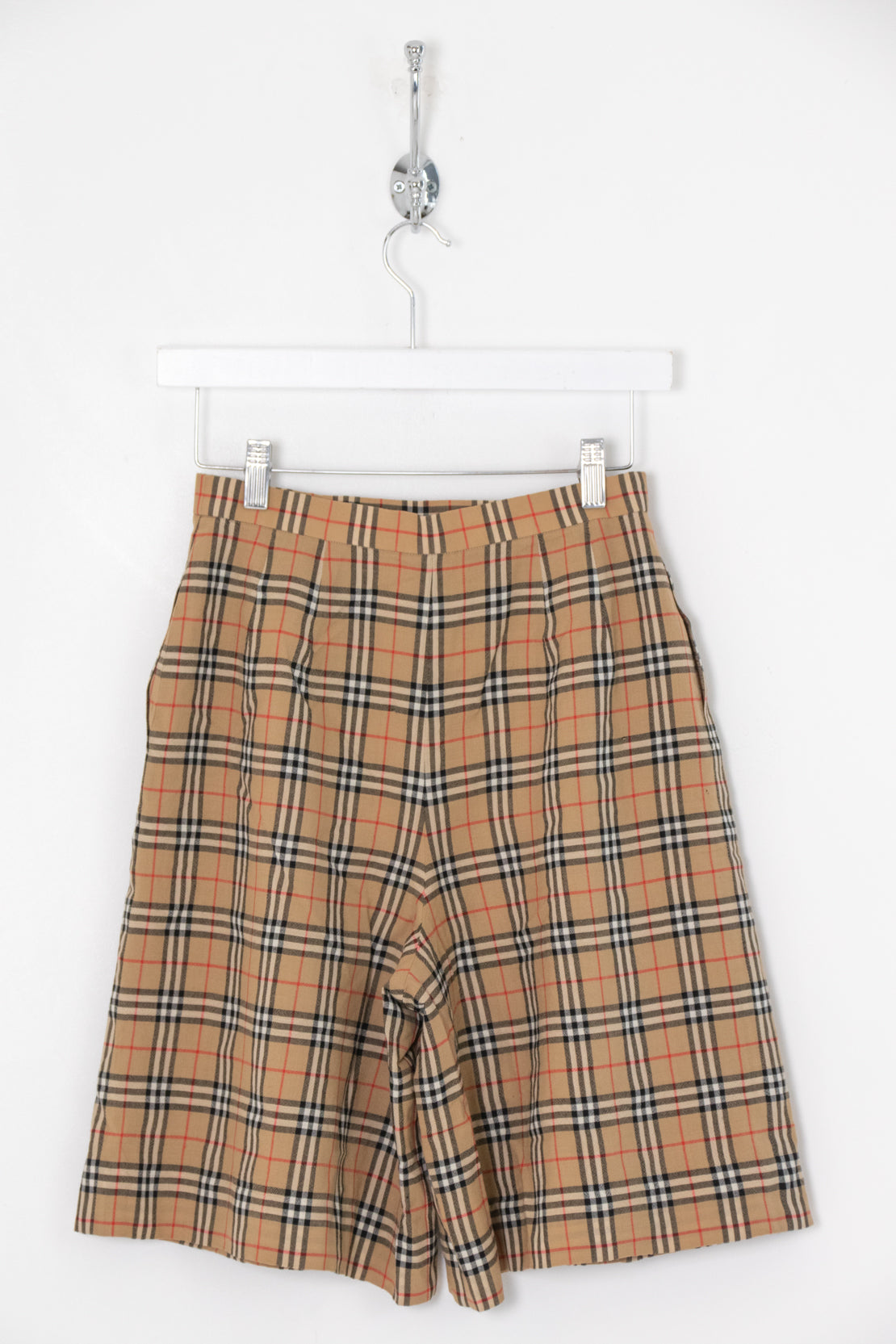 Women's Burberry High Waisted Shorts (M)
