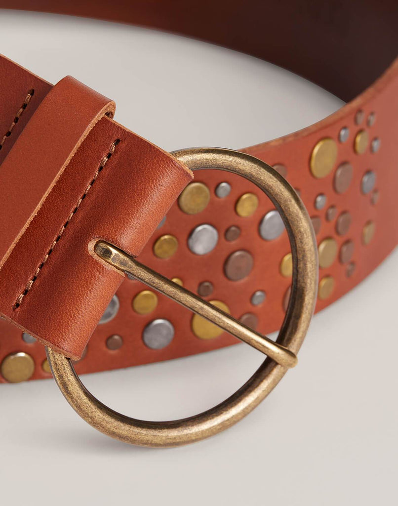 Buckle detail shot of Hammered Stud Belt in Cognac