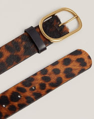 Detail shot of leopard Everyday belt