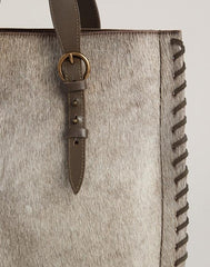 Detail shot of Everyday Tote in Natural