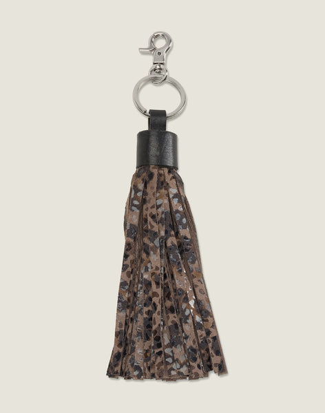 FRONT SHOT OF THE TASSEL KEYCHAIN IN CHEETAH