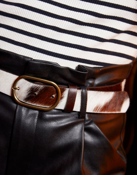 Model wearing Everyday Signature Belt in Multi