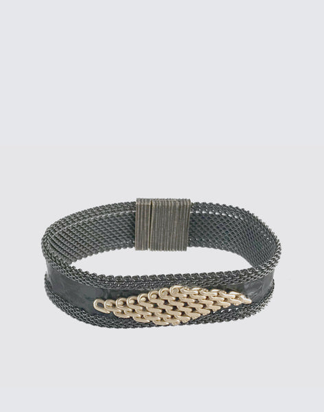 "5/8"" Width Magnet Clasp Bracelet in Black and Hamilton Gold"