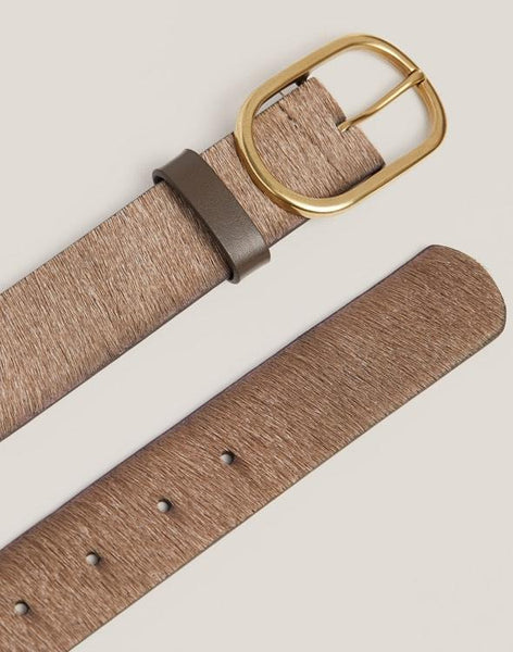 Detail shot of Everyday Belt in Natural