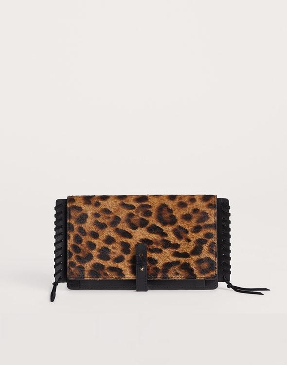 Front shot of Leopard Everyday clutchette