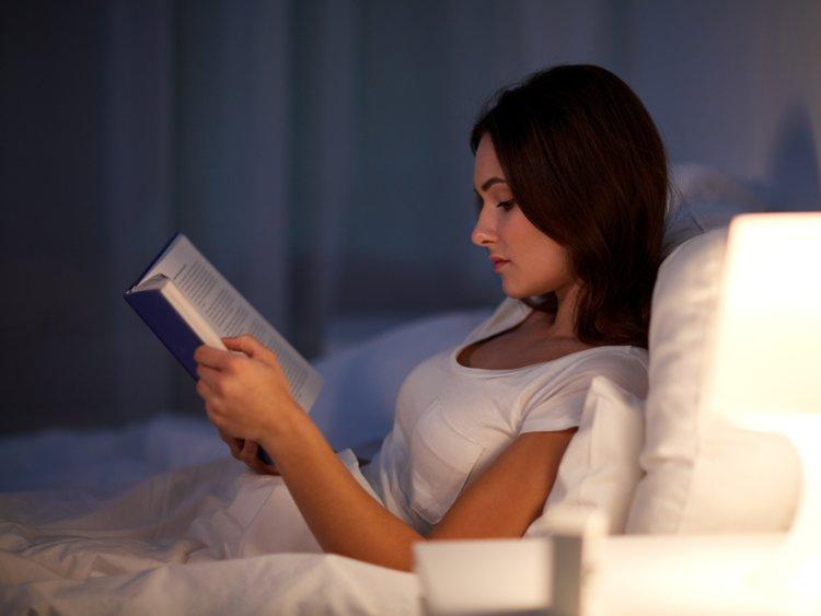 Reading Before Bed: The Natural Sleep Aid | PlushBeds