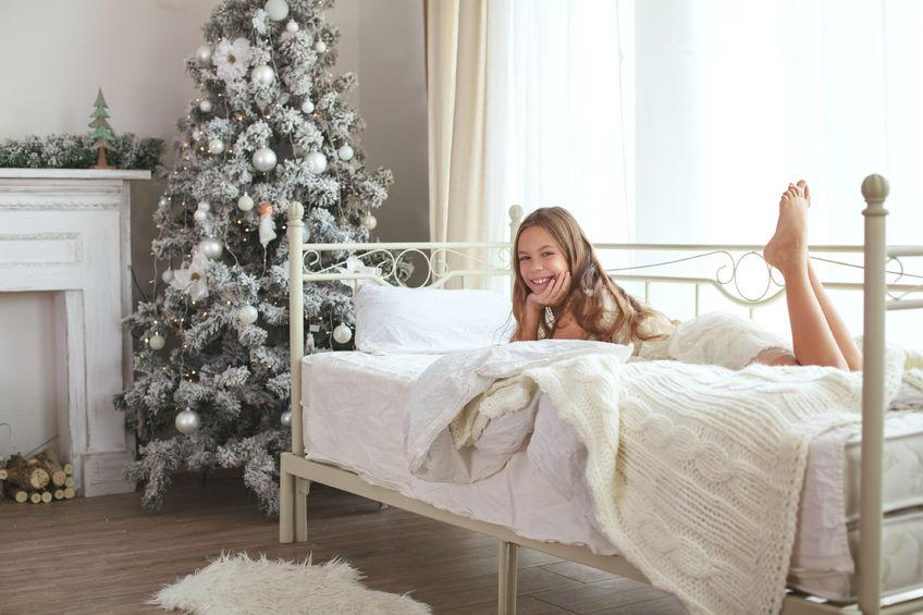 Santa's Coming! Helping Kids Sleep on Christmas Eve | PlushBeds