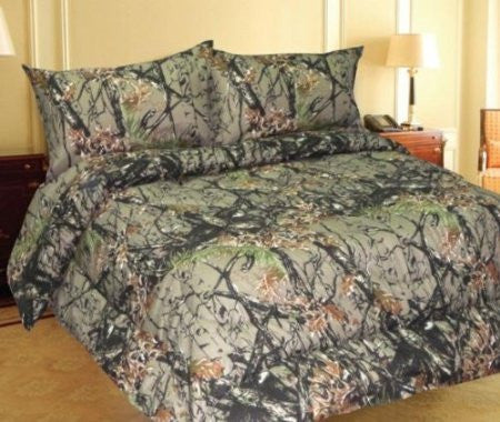 """The Woods"" Camouflage 800 Print Bed Sheets - King"