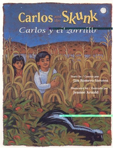 Carlos and the Skunk / Carlos y el zorrillo (English, Multilingual and Spanish Edition)