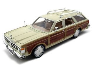 Motormax Premium American - Chrysler LeBaron Town & Country Wagon (1979, 1/24 scale diecast model car, Brown & Cream)