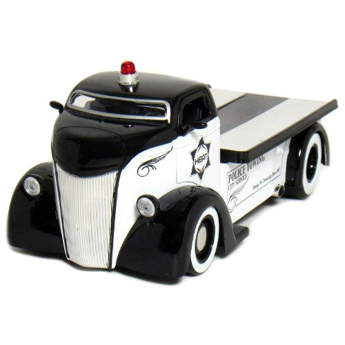 Jada Toys Heat - Ford COE Flatbed Police (1947, 1/24 scale diecast model car, White & Black)