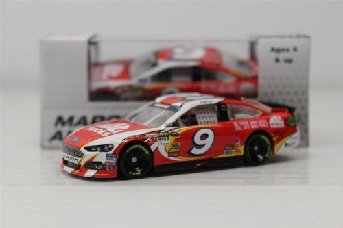 Lionel Nascar Gold - Ford Fusion Marcos Ambrose #9 Mac Tools Race Car (2013, 1/64 scale diecast model car, Red)