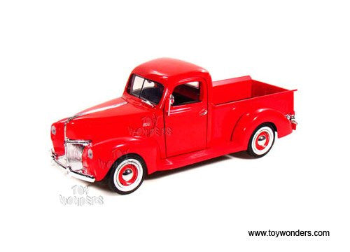 Motormax Premium American - Ford Pickup (1940, 1/18 scale diecast model car, Red)