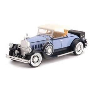 Signature Models - Pierce-Arrow Model B (1930, 1/32 scale diecast model car, Blue)