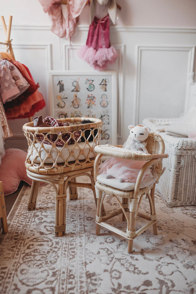 Tiny-Harlow-rattan-dolls-furniture