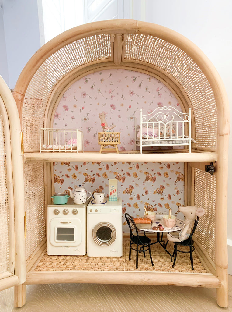 tiny-harlow-dollshouse-cabinet