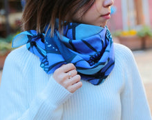 Load image into Gallery viewer, Aster Blue Sakurawari Wool Scarf
