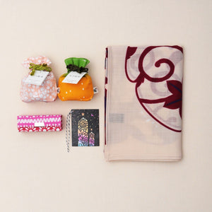 Christmas Gift Set - Wool Scarf + Tea + Lipstick case