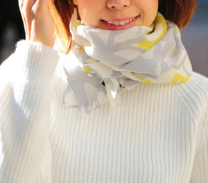 Wool Scarf - Yellow Beige CHIGIRI Flowers