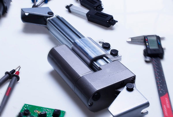 Linear actuator current draw