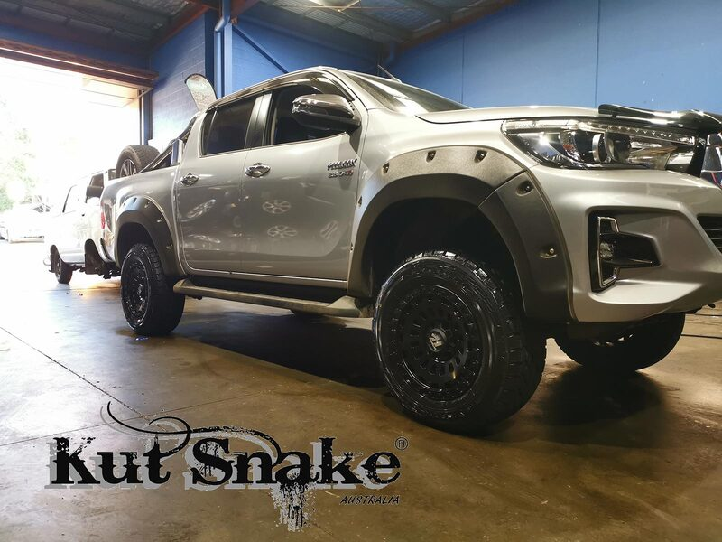 Kut Snake Flares for Toyota Hilux Revo GUN 2015 - Aug 2018 ABS - Sunyee